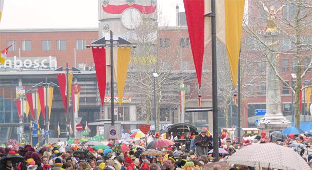 Oeteldonkse carnavalswinkels mogen weer los!