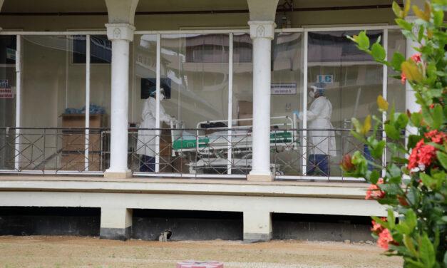 Sterke stijging aan coronabesmettingen in Suriname
