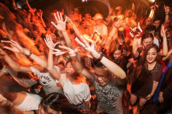 Het 'Kom Erbij' festival voor eenzame jongeren